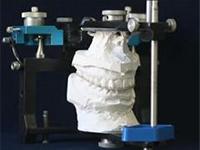 当院の顎関節治療に使用する器具例1